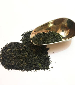 tè-verde-biologico-in-foglie-erboristeria-pucci